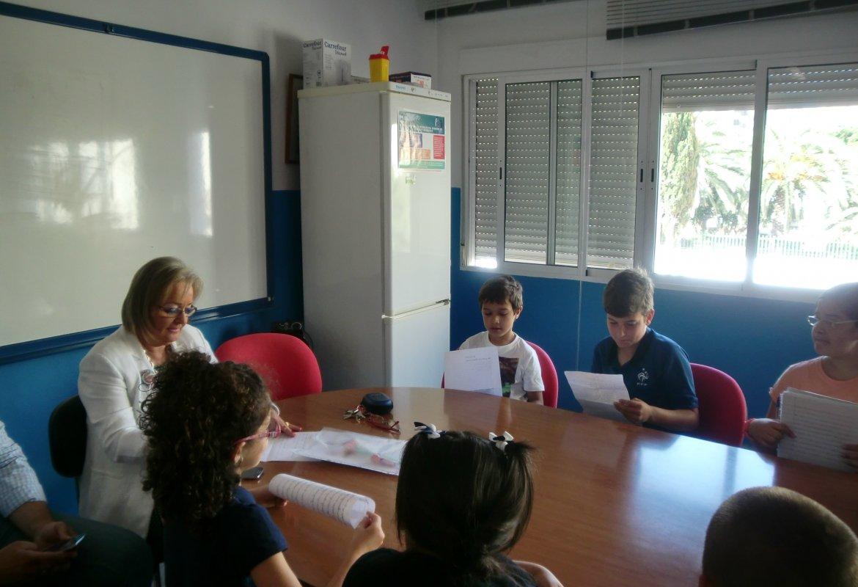 Visita a nuestro centro de la Sra. Concejala y el director del distrito