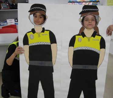 Visita a las dependencias de la Policía Local